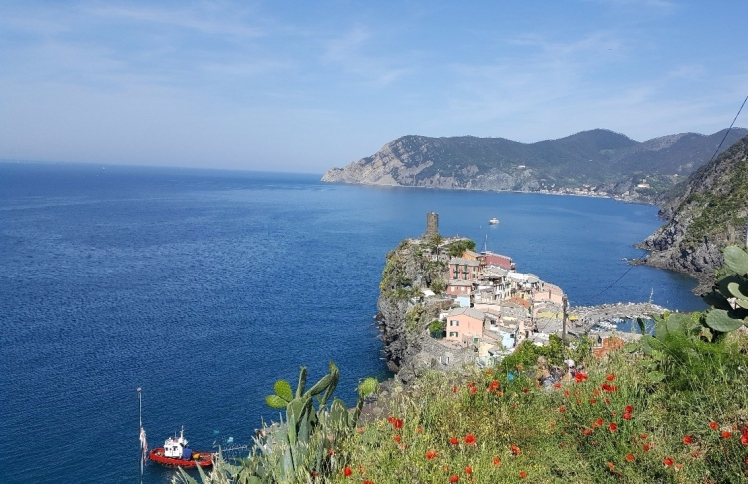 1.1465592354.view-leaving-vernazza