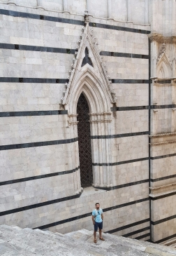 Ryan on the side of Siena's il Duomo