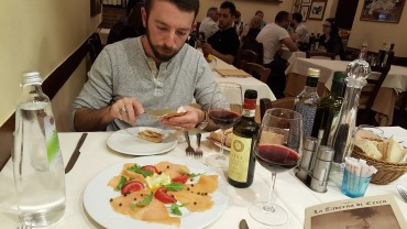 Taverna di Cecco's Salmon Insalate and Chianti