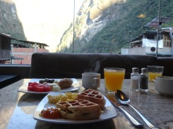Breakfast at El Mapi