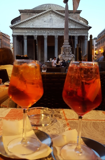 Apertifs at the Pantheon
