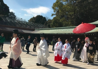 We were lucky enough to spot a wedding recessional through Meiji Jingu shrine, here is the bride