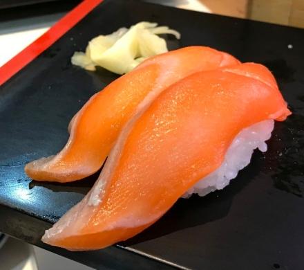 3.1488282703.standing-sushi-in-asakusa---salmon