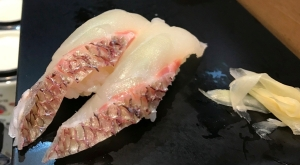 3.1488282703.standing-sushi-in-asakusa---snapper