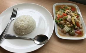 food at shwe pyi san yar