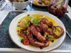 Octopus at Le Petit Cafe