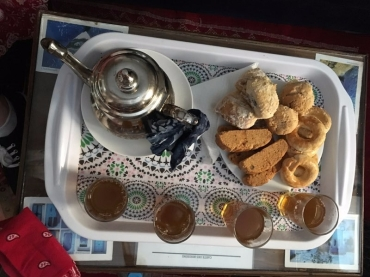 Moroccan mint tea and biscuits at Riat Zaitouna
