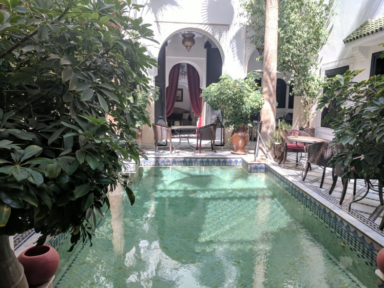 Riad Monceau dining area