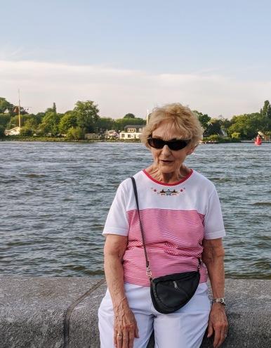 Amsterdam - grandma sunglasses