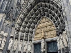 Cologne cathedral entry