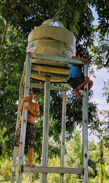 La Cuchilla water tower